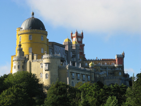 COOL SINTRA FULL DAY TOUR - (REGALEIRA + PENA PALACE GUIDED TOUR)