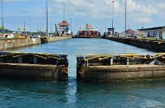 City tour + Miraflores and Agua Clara Locks -Stop over campaign