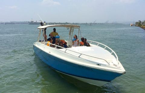 Island Hopping in Style + Speedboat 38