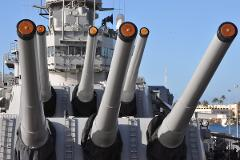 Pearl Harbor Battleships of World War II from Hawaii ,Maui,  Kauai (Round trip airfare, all admissions, tour guide & transportation included)