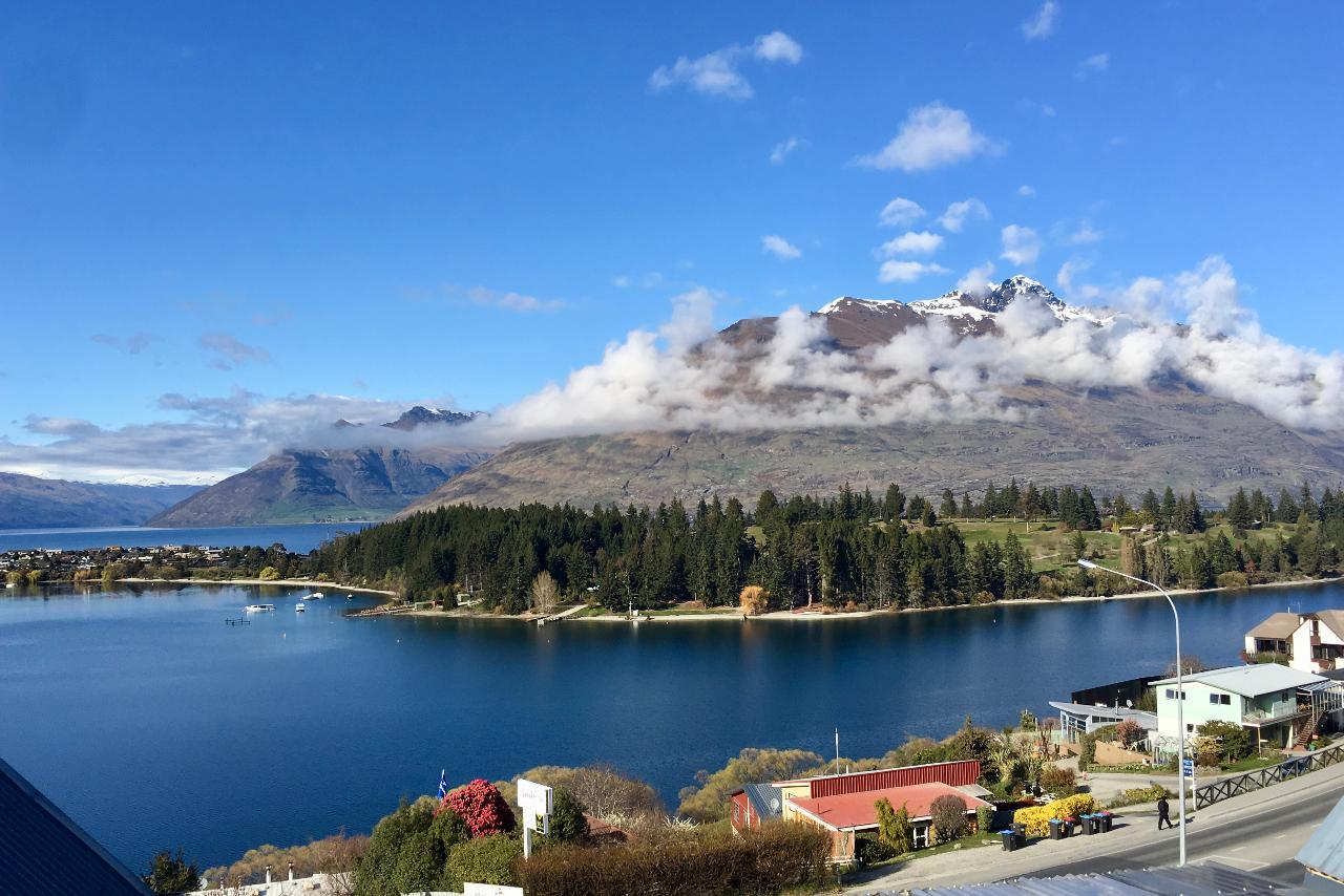 *Christchurch to Queenstown AM Express Tour