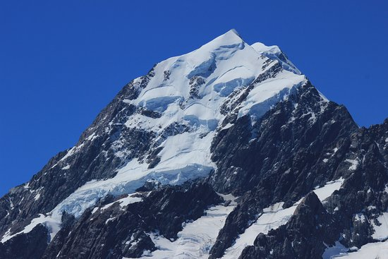 Aoraki / Mt Cook private escorted tour FROM Christchurch  - ONE WAY 2 to 5 people / optional visit to the Dark Sky Experience.