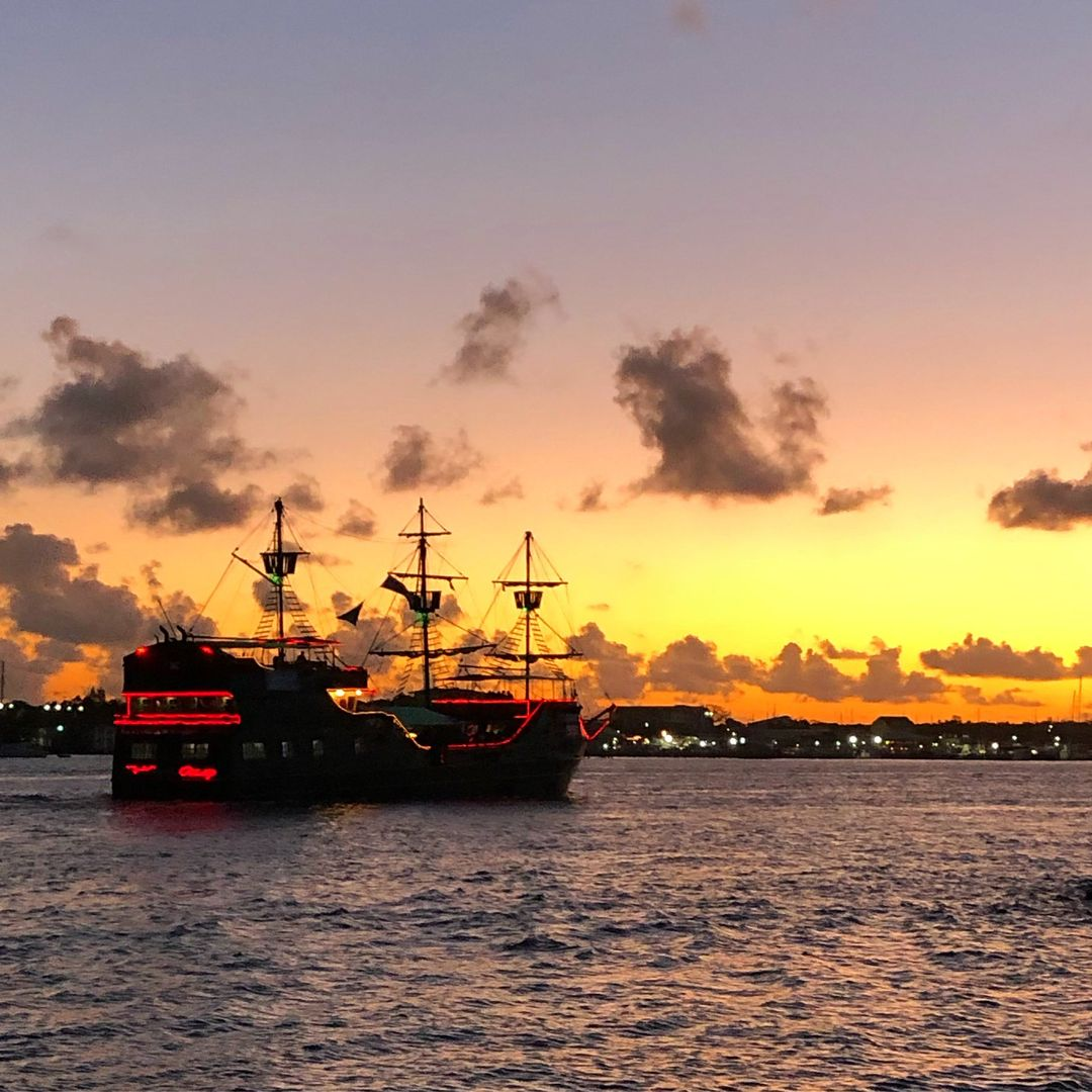 Sip & Sail Sunset  Cruise