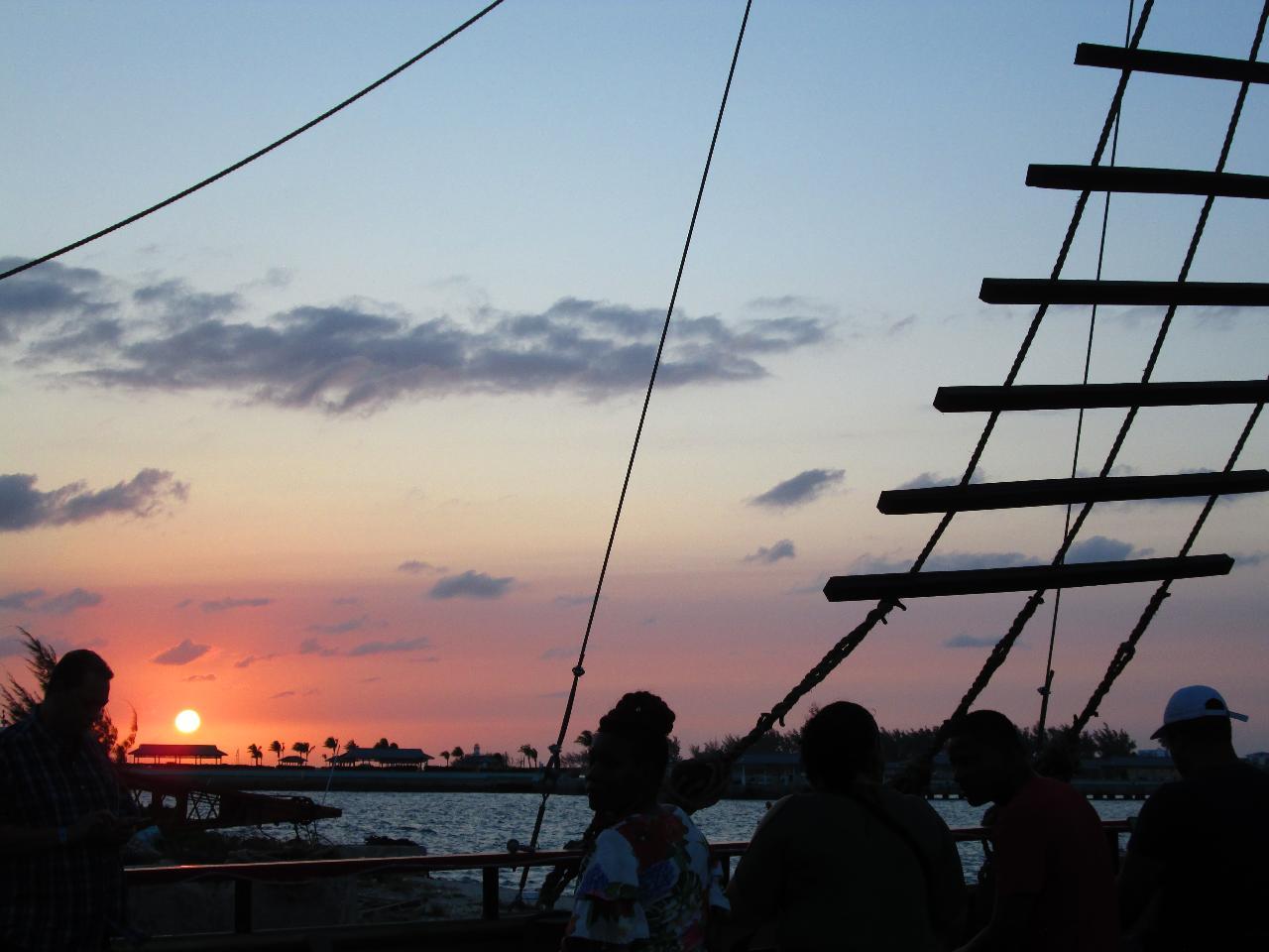 Sip & Sail Sunset Cocktail Cruise