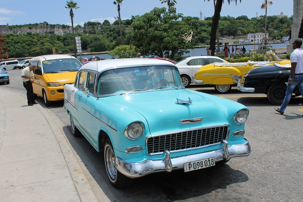 Cuban Historic Tour with Delicia