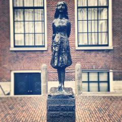 Amsterdam Under Occupation