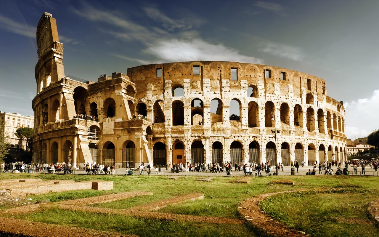 Ancient Rome Private  Walking Tour: Colosseum, Forum, Capitoline Hill Private Guided Tour