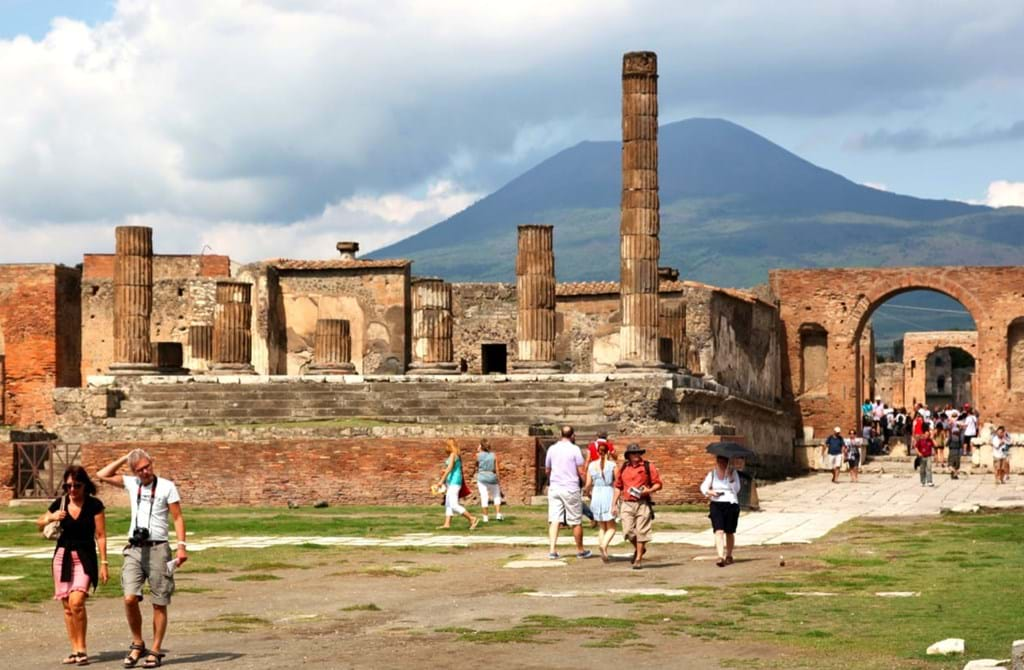 Private Guided Tour of Pompeii from Naples with Transportation and Entrances