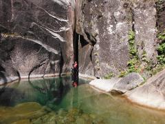 Private Tour de Canyoning no rio Arado (parte superior) :: at Arado River (upper section)
