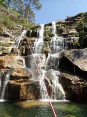 Private Tour de Canyoning no rio Teixeira :: at Teixeira River