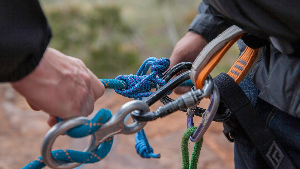 Guide Single Pitch Abseiling Qualification
