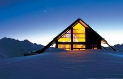 Whare Kea Chalet - Hosted Overnight Experience with Aspiring and Glaciers scenic flight