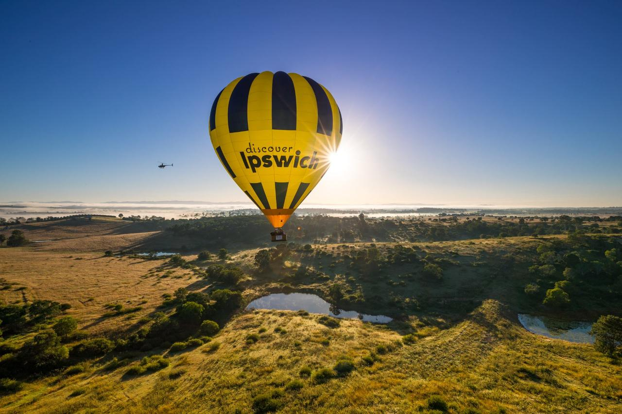 4. Greater Brisbane Scenic Hot Air Balloon Flight for 2 People, 1 Hour Flight, Breakfast & Self Drive