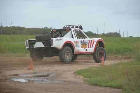 Gold Coast - V8 Trophy Truck - DESERT PACKAGE