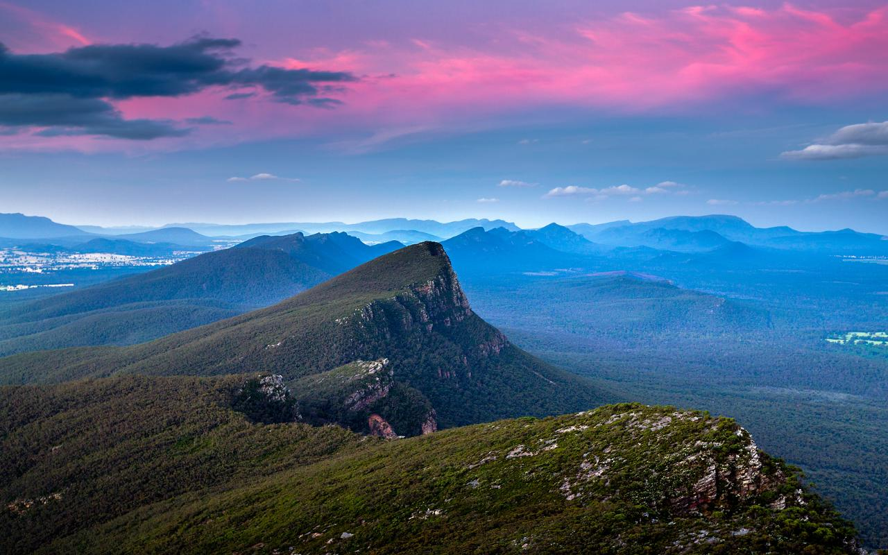 Grampians Peaks Trail - 4 day walking holiday