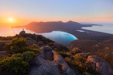 Freycinet and Wineglass Bay – 4 day walking holiday Tasmania Australia