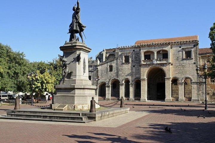Private - Santo Domingo Historical Island Tour plus Shopping