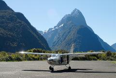 Winter: Milford Sound and Glaciers: Fly/Cruise/Coach
