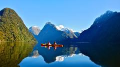 Milford Sound and Glaciers: Fly/Roscos Kayak/Fly
