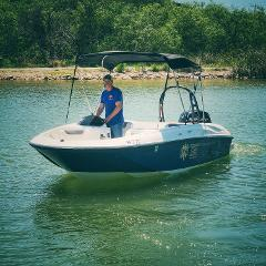 RUNABOUT (OUTBOARD) 8 PASSENGERS - SB3/SB4