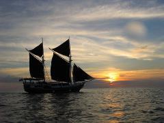 Overnight Cruise for 2 Days / 1 Night visiting Phi Phi Island