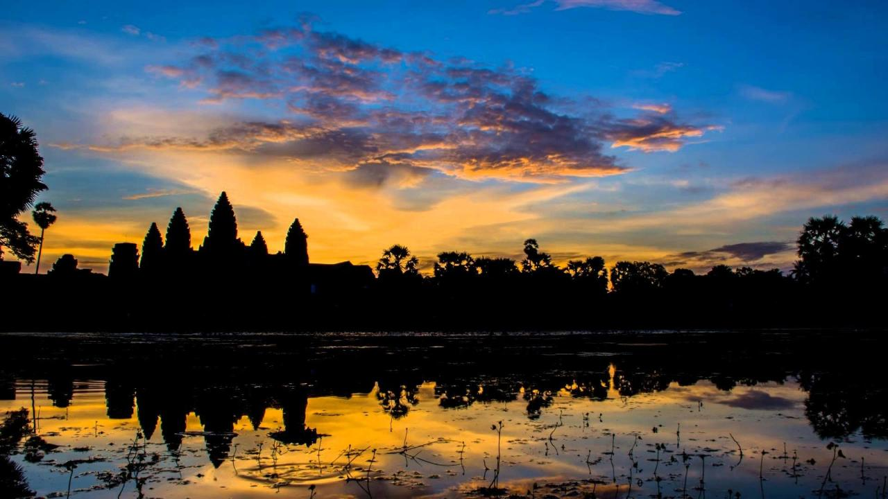 Explore Angkor Wat Sunset Private  Experience
