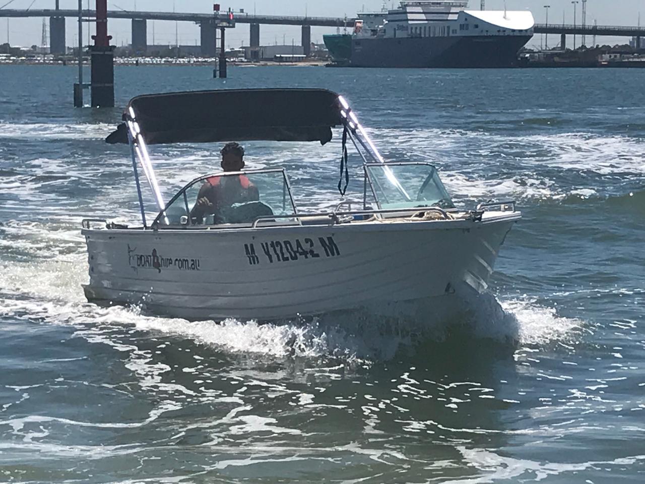 Polycraft Bowrider Mary 100HP - Half Day