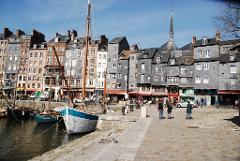 Overnight tour D-Day, Honfleur, Saint-Malo and Mont-Saint-Michel