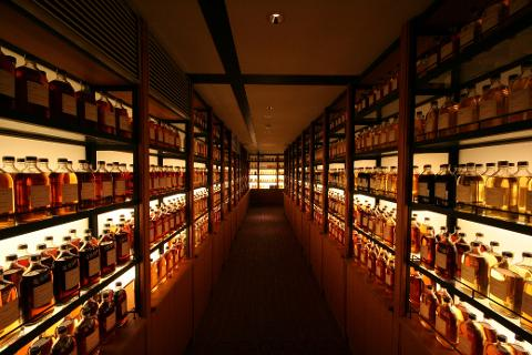 Osaka Whisky Distillery and Beer Factory Tour