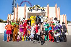 Movie World Theme Park Tour from Brisbane