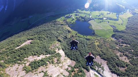 Wingsuit_Basejump_2_noglow_med