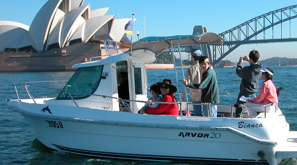 Self Drive Boat Hire Arvor 20 No license Required for up to 8 persons