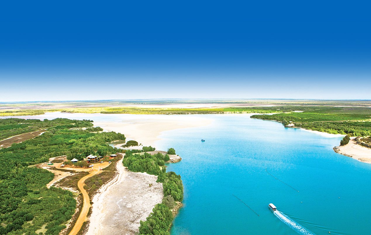 Pearls and Coast Scenic Helicopter Flight & Pearl Farm Tour