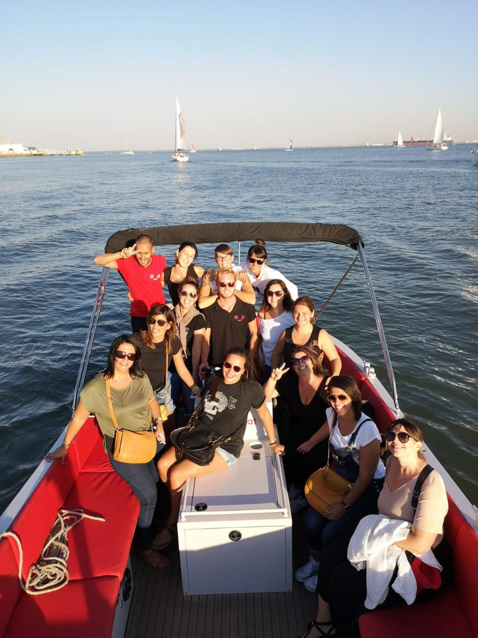 Private helloBoat day cruise