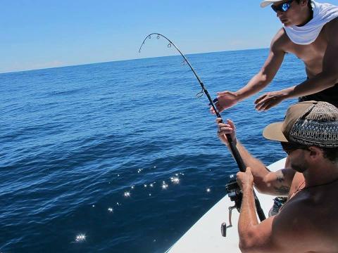 0987a26bdcc7416e9e5e5ca9f6908de0fishing_galapagos