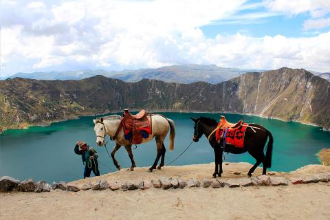 Quilotoa_donkey_ride
