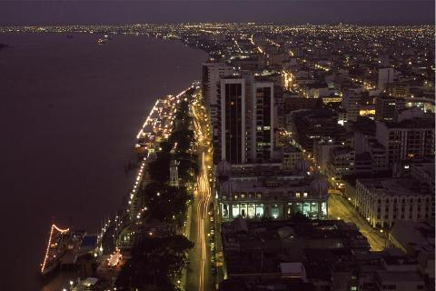 guayaquil_night_3