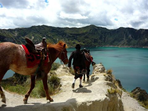 quilotoa_crater_lake_andes_amazon_ecuador_tour_7