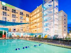HOLIDAY INN   3 NIGHT Stay + PARTY PACKAGE