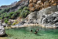 Muskat: Schwimmen in Oman Wadis