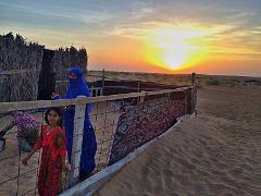 Ab Maskat: Übernachtung bei einer Beduinenfamilie