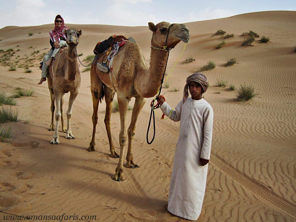 Secret Arabia's Kamelsafari durch die Wüste Wahiba Sands