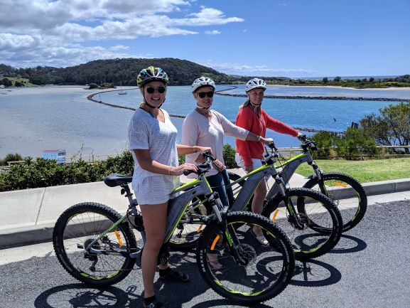 SOUTHBOUND ESCAPES - FAMILY E-BIKE PACKAGE - E-bike hire with local produce picnic box - 2 Adults 2 Children - 4 hours (Over 12 years only) - Save over $100.