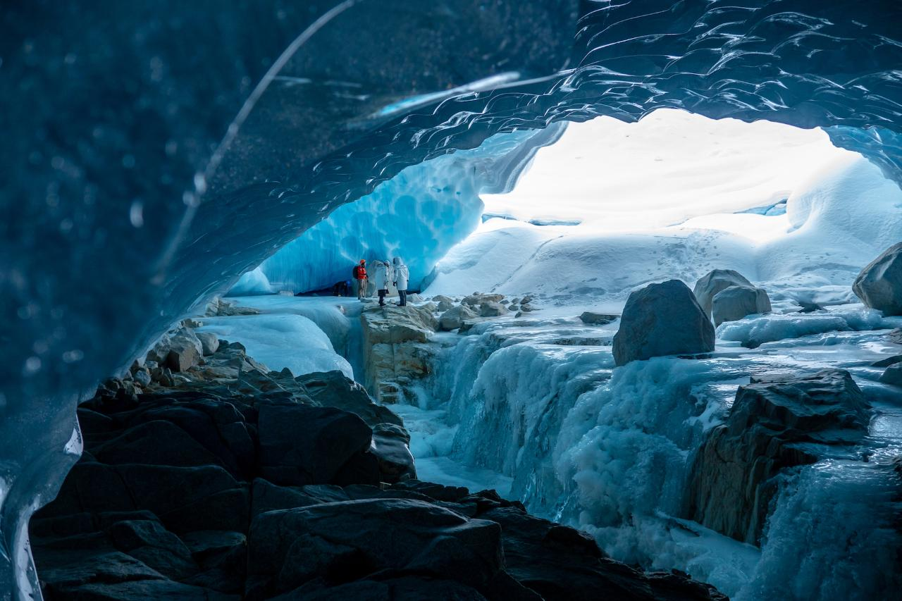 ICE CAVE EXPERIENCE