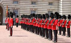 British Royalty Tour! See the Guard Change & More! Private Tour
