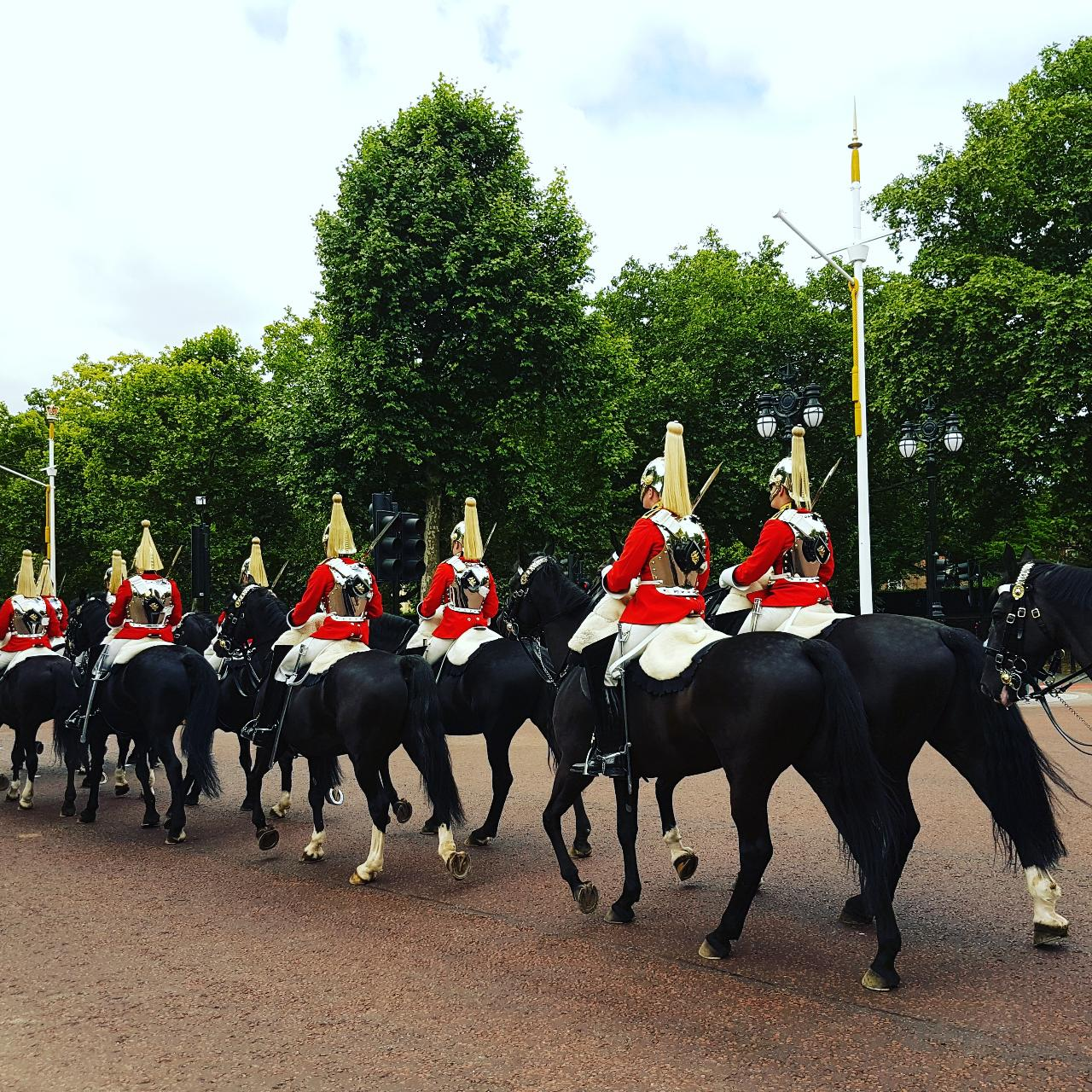 British Royalty Tour! See the Guard Change & More!