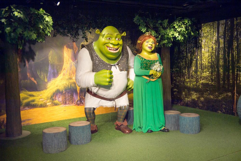 Shrek's Adventure & Top 30+ Sights of London Tour!