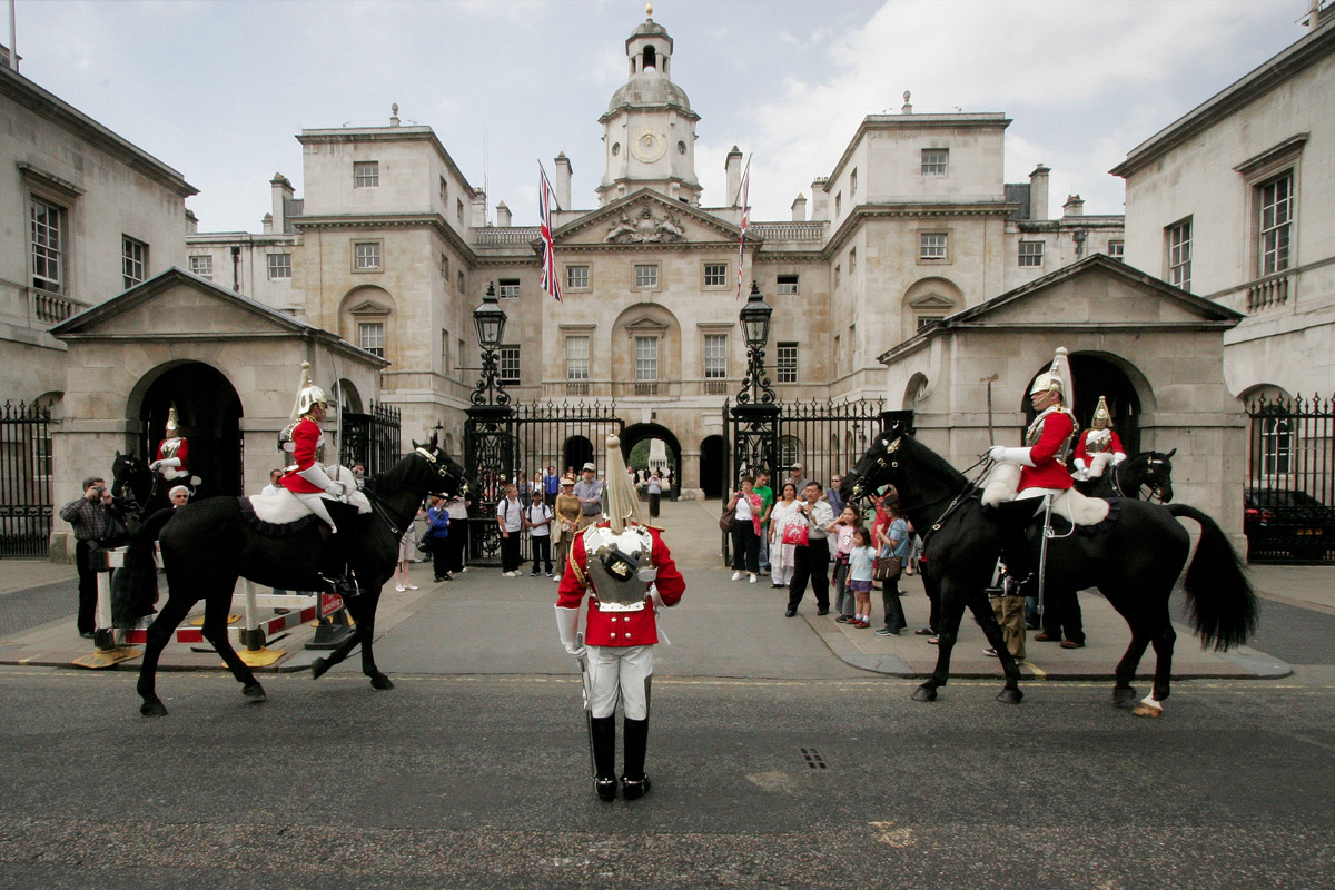 Household Cavalry Museum & Top 30+ Sights London Walking Tour