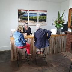 Hobart Wine Tour: Sunday Afternoon Local Wines, Cheese & Gins