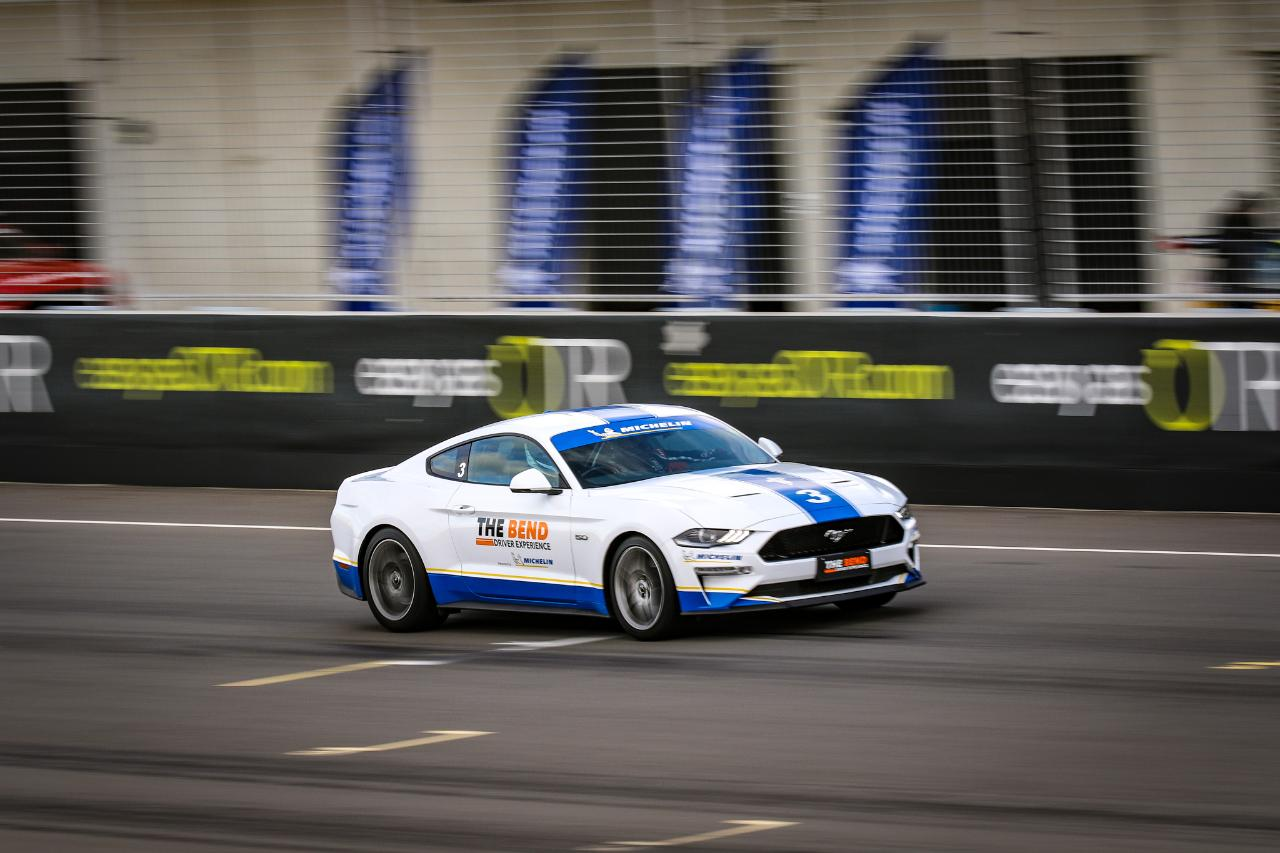 V8 Mustang Drive Experience - 6 Laps